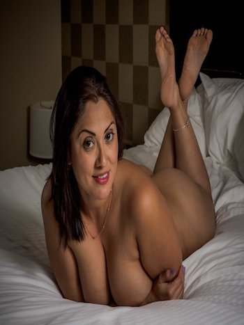 Dwarka Escorts Services & Pictures, Pics, phone no, whatsapp of Call Girls in Dwarka Mor